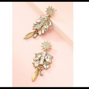 Stella & Dot Campbell Chandelier earrings